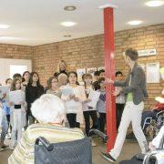 Auftakt für Kultur im Flur im AWO Servicehaus Mettenhof mit Schülerinnen und Schülern der Grundschule am Göteborgring