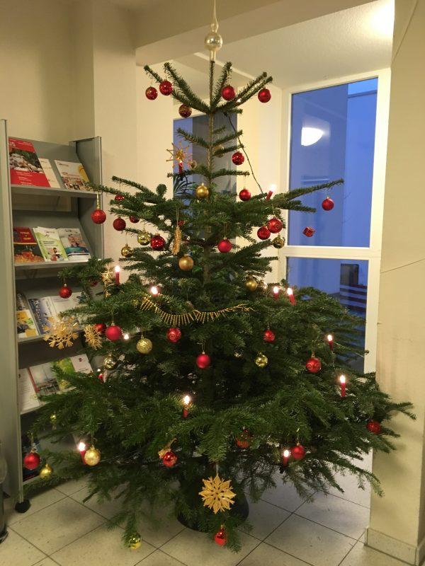 Weihnachtsbaum Schmücken Awo Pflege Schleswig Holstein